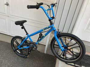 Brand new mongoose mountain bike size wheel 20 for Sale in Old Westbury, NY