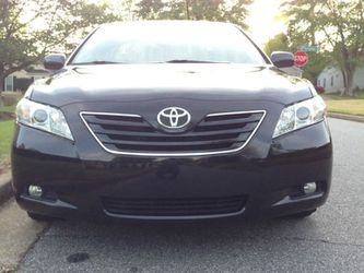 Very Nice 2007 Toyota Camry XLE FWDWheels for Sale in Oxnard,  CA