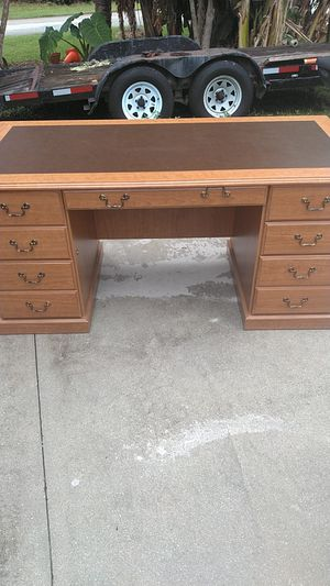 Office Desk for Sale in Port St. Lucie, FL