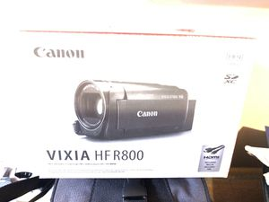2017 White Canon Vixia HF R800 w tons of extras $300 for Sale in Culver City, CA