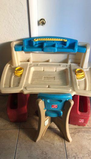Toddler desk for Sale in Phoenix, AZ