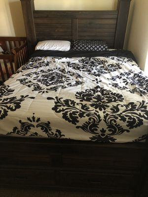 Queen bed frame box spring and mattress with 4 inch topper, never slept on mattress for Sale in Fort Drum, NY