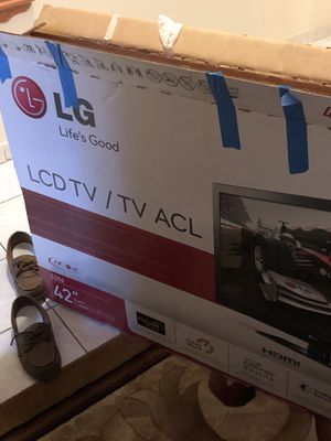 42' LG LCD TV for Sale in Alexandria, VA