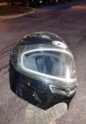 Gmax snowmobile helmet with built in aviator sun visors for Sale in Aurora, IL