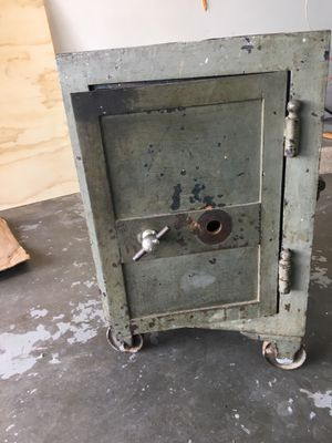 Old safe for Sale in Amarillo, TX