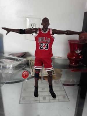 Nba collection #23 Michaer Jordan Motion Masterpiece 1:9 Scale Action Figure for Sale in Cleveland, OH