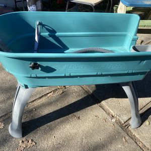 Booster Bath Elevated Dog Bathing and Grooming Center, Large, Teal for Sale in El Sobrante, CA