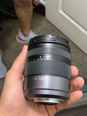 14-140 Panasonic micro 4:3 lens! Like new! for Sale in Austin, TX