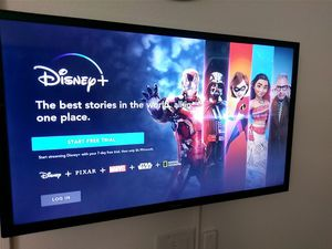 """New Samsung Bedroom size 32"""" Smart Wi-Fi enabled HDTV TV with new Samsung blu-ray player and soundbar for Sale in Davenport, FL"""