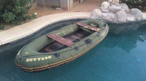 Sevylor Fish Master 325 for Sale in Phoenix, AZ
