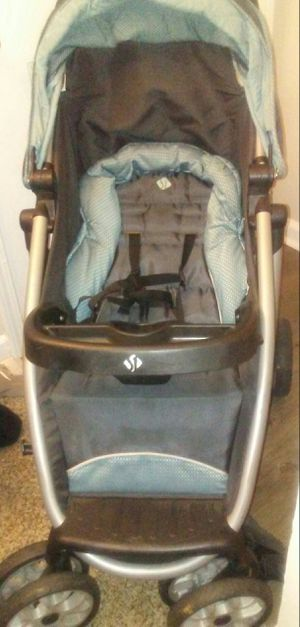 Car seat & stroller for Sale in Peachtree Corners, GA
