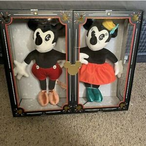 Brand new sealed Disney 90th anniversary limited edition mickey and minnie plush set see pictures firm I'm in Fontana for Sale in Fontana, CA