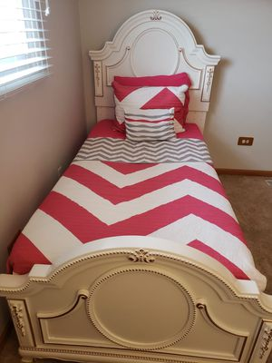 Girl's Princess Bedroom Set for Sale in Justice, IL