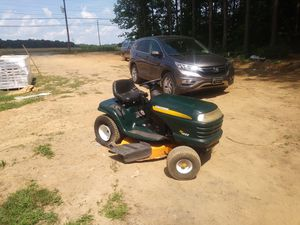 Craftsman riding lawn mower 42 inch cut 18 horsepower for Sale in Albemarle, NC