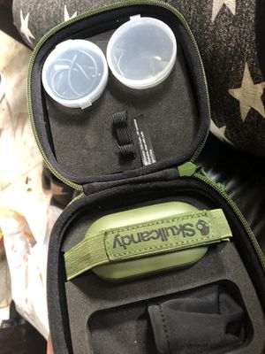 Limited edition skullcndy wireless earbuds for Sale in Fort Lauderdale, FL
