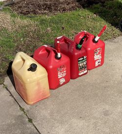 Gas Cans for Sale in Suffolk,  VA
