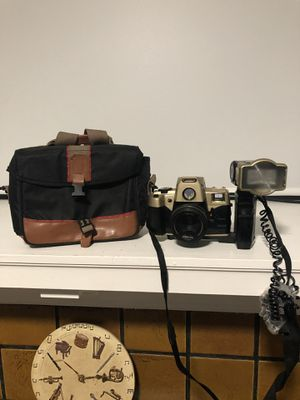 Vintage Brand New Canon 35mm Film Camera CNx30 w/Self Timer Flash Bar & BAG for Sale in Chicago, IL