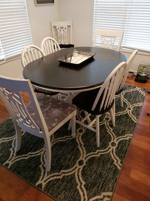 Kitchen table No chairs for Sale in Colorado Springs, CO