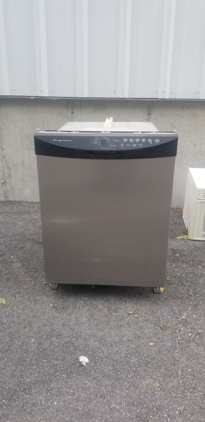 Frigidaire Gallery stainless steel dishwasher for Sale in Seekonk, MA