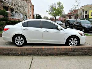 White Honda Accord EXL 2010 Wheels Good for Sale in Baltimore, MD