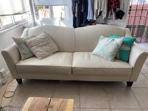 Leather couch, amazing condition! for Sale in San Diego, CA
