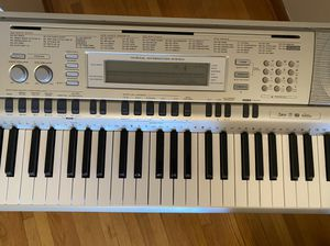 Casio WK-200 Keyboard for Sale in Chicago, IL