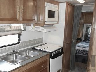 2000 Jayco Quest 270 EASY TO TOW for Sale in Stockton,  CA
