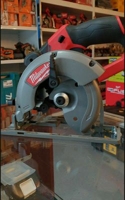 MILWAUKEE M12 CIRCULAR SAW 6-1/2 FUEL BRUSHLESS TOOL ONLY SOLO LA HERRAMIENTA for Sale in Riverside,  CA