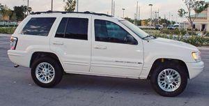 Runs Good 2004 Jeep Grand Cherokee AWDWheels for Sale in Jacksonville, FL