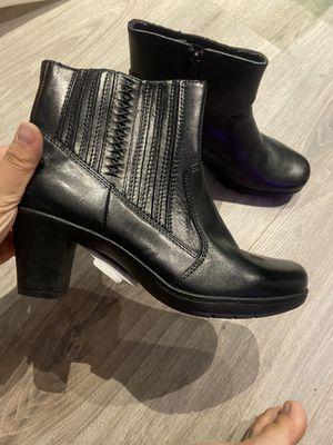 BRAND NEW clark boots 7 women for Sale in East Brunswick, NJ