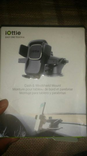 Dash & Windshield Mount for Sale in Chicago, IL