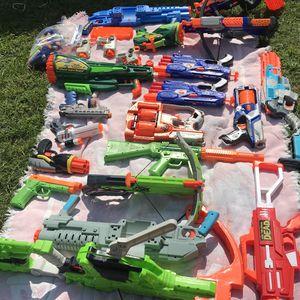 Bonche Grande De Nerf Guns And Assorted for Sale in El Monte, CA