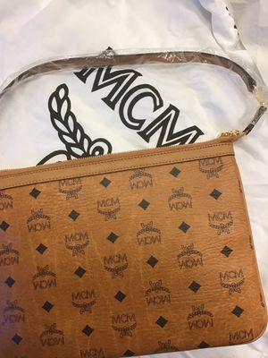 MCM POUCH BRAND NEW for Sale in Brandywine, MD