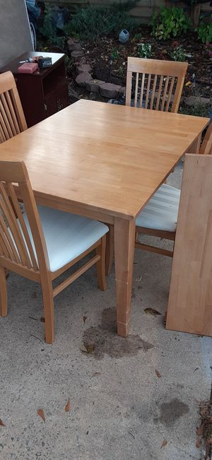 Table and chairs for Sale in Greenville, SC