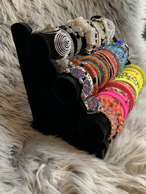 Bracelet Organizers 3 tier (Jewelry is Display) for Sale in San Diego, CA