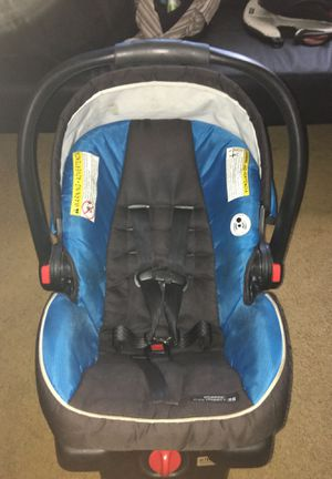 Graco baby car seat and base for Sale in Murrieta, CA