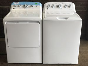BRAND NEW CONDITION GE SUPER CAPACITY WASHER & GAS DRYER SET for Sale in Darien, IL