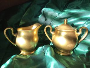 Vintage gold creamer & sugar bowl for Sale in Downers Grove, IL