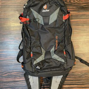 Deuter Freerider 26L Snow Pack for Sale in Seattle, WA