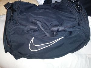 Large Nike duffle bag for Sale in Columbus, OH