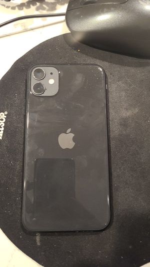 UNLOCKED iPhone 11 64GB LIKE NEW for Sale in Atlanta, GA