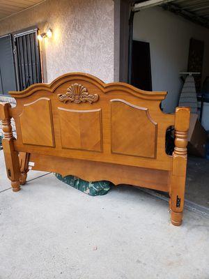 California king bed frame for Sale in Turlock, CA