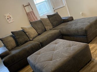Sectional Couch for Sale in Katy,  TX