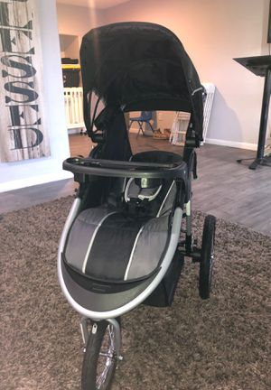 Stroller with car seat ( 3-wheel ) for Sale in Lincoln Acres, CA