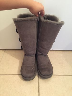 UGG Women's Bailey Button Triplet Boots, Grey size 7 for Sale in Washington, DC