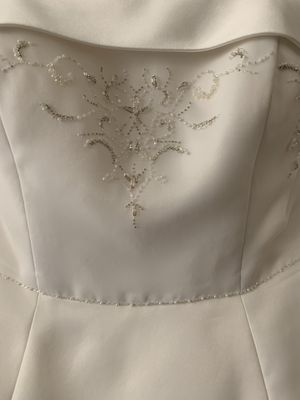 Wedding dress size 12 for Sale in Fuquay Varina, NC