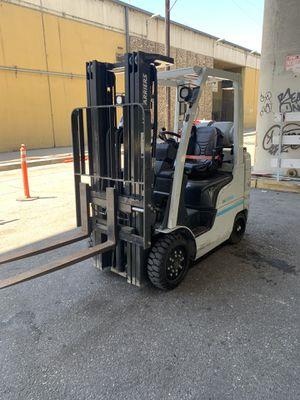 Nissan 5 k forklift for Sale in Los Angeles, CA