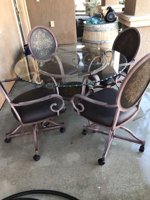 Table and chairs for Sale in Visalia, CA
