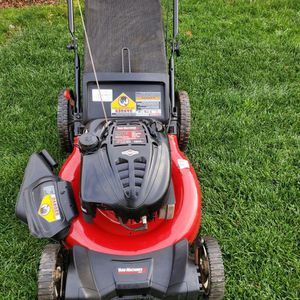 """Yard Machines 21"""" 3-N-1 Lawn Mower (not self propelled) for Sale in Temple Hills, MD"""