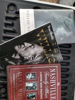 3 Willie NELSON BOOK NASHVILLE COUNTRY MUSIC for Sale in Waco,  TX